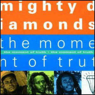 mighty-diamonds-the-moment-of-truth.jpg